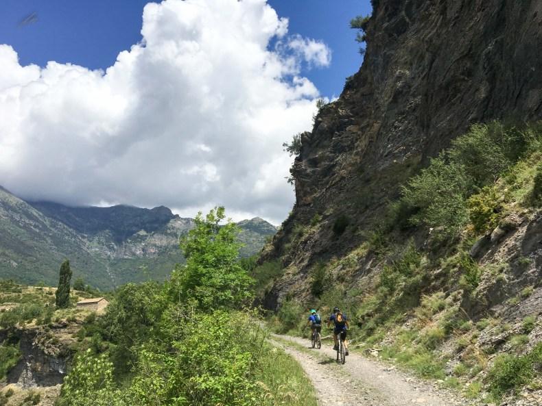 subida suave en un entorno de alta montaña