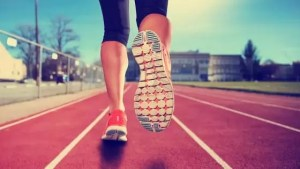 correr ou caminhar para emagrecer