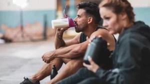Whey protein é bom para emagrecer e ganhar massa muscular?