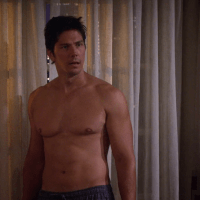 "Michael Trucco as Nick Podarutti shirtless in How I Met Your Mother 8x06 ""Splitsville"""