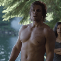 "Stephen Amell as Oliver Queen/Arrow shirtless in Arrow 2x02 ""Identity"""