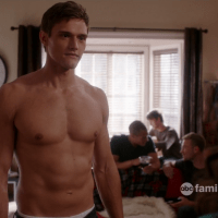 "Hartley Sawyer as Brad shirtless in Jane By Design 1x03 ""The Birkin"""