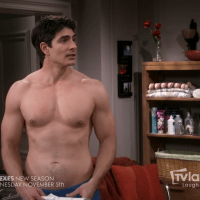 "Brandon Routh shirtless in The Exes 4x01 ""The Devil Wears Hanes"""