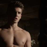 "Cody Christian as Theo Raeken shirtless in Teen Wolf 5×10 ""Status Asthmaticus"""