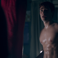 "KJ Apa as Archie Andrews shirtless in Riverdale 1×05 ""Chapter Five: Heart of Darkness"""