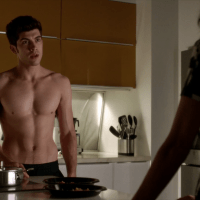 "Carter Jenkins as Rainer Devon shirtless in Famous in Love 1x01 ""Pilot"""