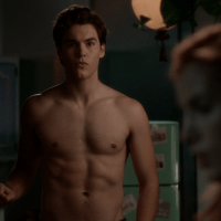 """Charlie DePew as Jake Salt shirtless in Famous in Love 1x01 """"Pilot"""""""