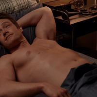 "Robert Buckley as Major Lilywhite shirtless in iZombie 3x11 ""Conspiracy Weary"""