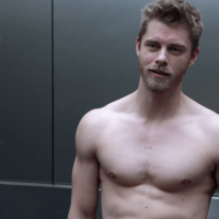 "Luke Mitchell as Roman shirtless in Blindspot 3×14 ""Everlasting"""