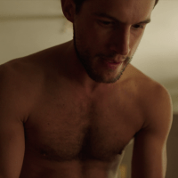 "Rob Heaps as Ezra Bloom shirtless in Impostors 2x02 ""Trouble Maybe"""