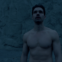 "Steven Strait as James ""Jim"" Holden shirtless in The Expanse 3x13 ""Abaddons Gate"""