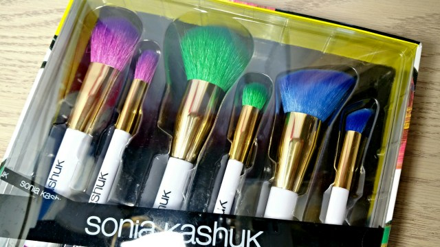 New Sonia Kashuk Art of Makeup ABC Six Piece Brush Set!