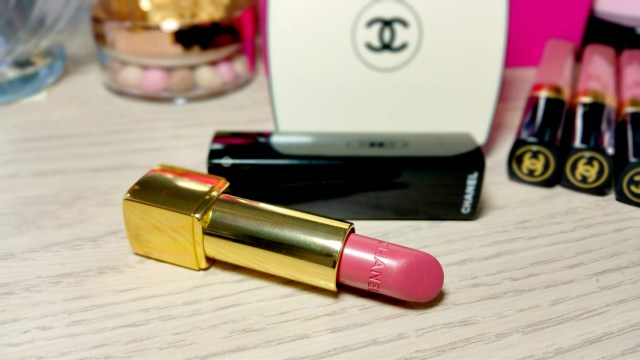 Chanel 92 Secrète Rouge Allure Luminous Lip Color