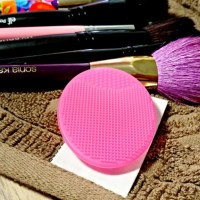 Brush Cleaning Made Easy with the Sephora Precision Pore Cleaning Pad