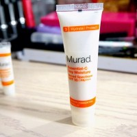 Murad Essential-C Day Moisture Review