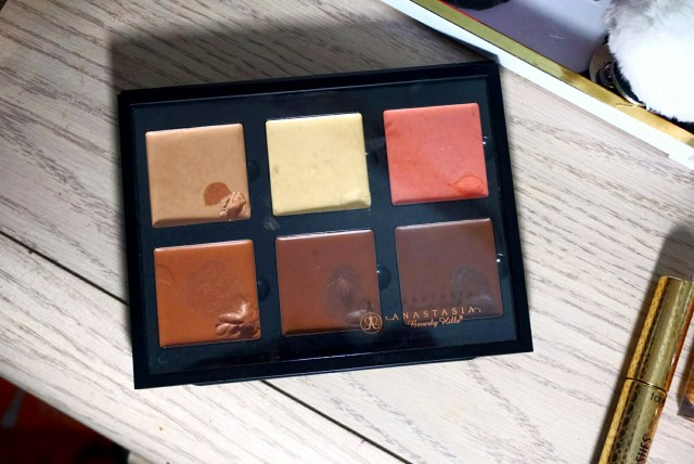 Anastasia Beverly Hills Contour Cream Kit in Medium