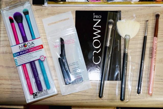 Moda Pro Makeup Brushes, Crown Brush Brow Razor, Crown Brush Fan Brush, Crown Brush Eyeshadow Blending Brush, Crown Brush Angled Liner Brush, Luxie Blending Brush