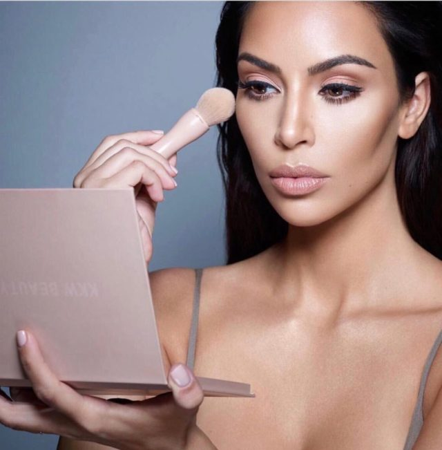 Kim Kardashian x Jeffree Star Contour Kit Drama August 2017