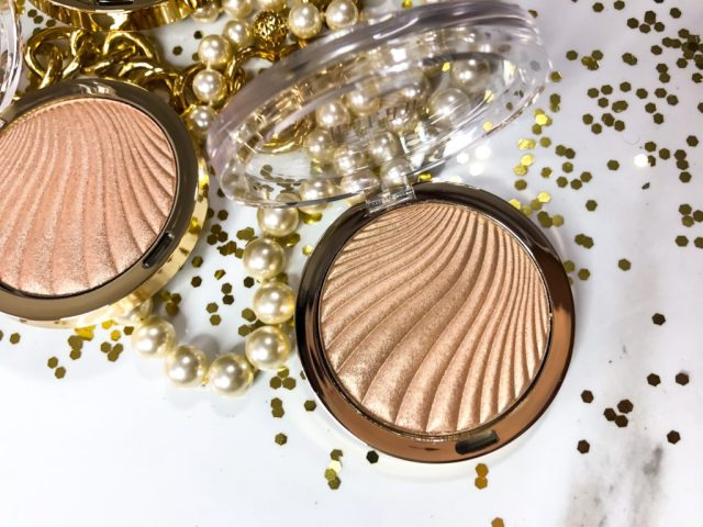 Milani Strobelight Instant Glow Powder 03 Sunglow Swatches on Dark Skin