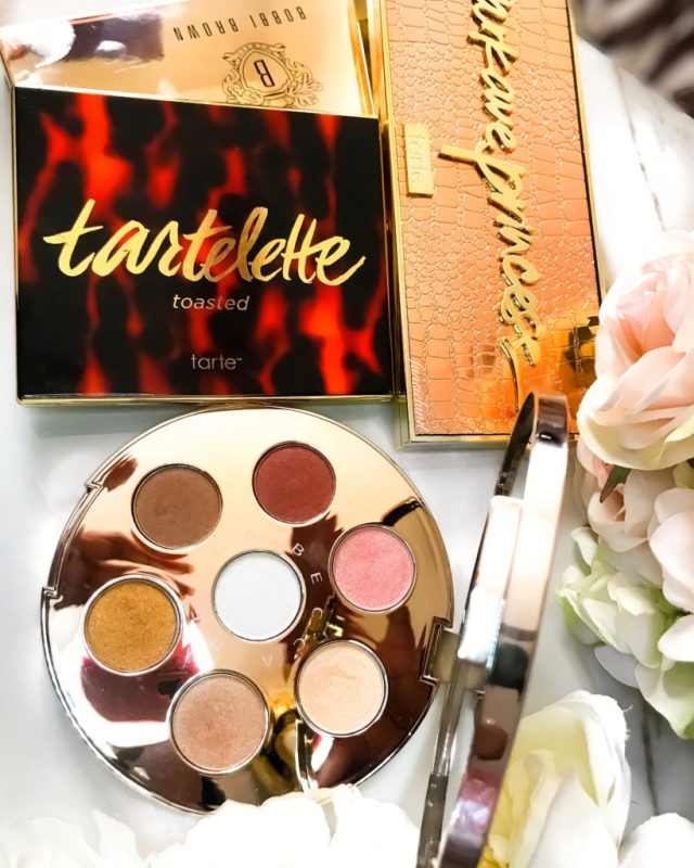Makeup Palettes for Christmas: Becca Apre Ski Glow Collection Eye Lights Palette