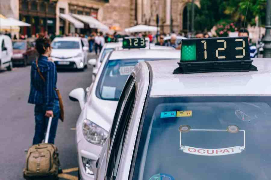 Tourist Taxi in Valencia | Fancycrave