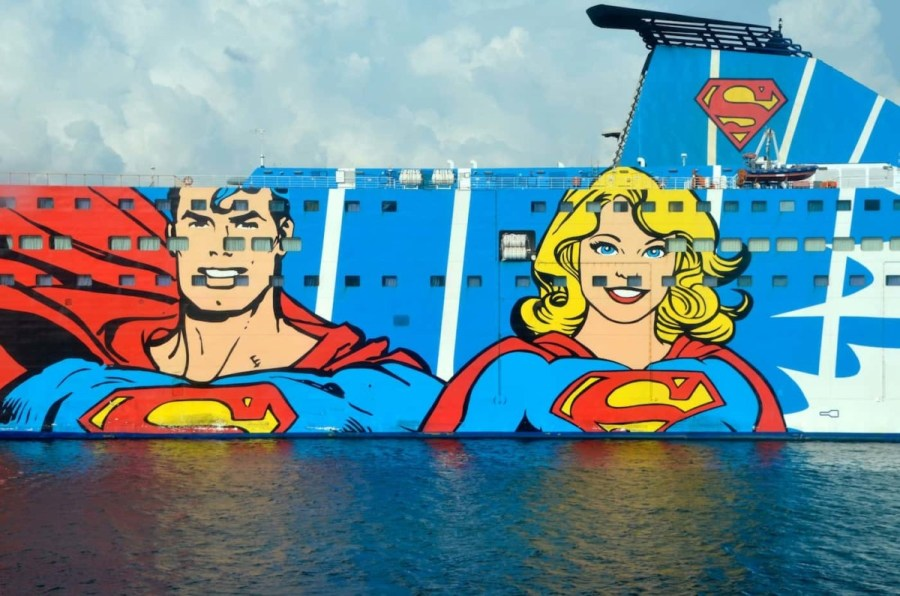 Superman-and-Woman-Painted-on-a-Boat