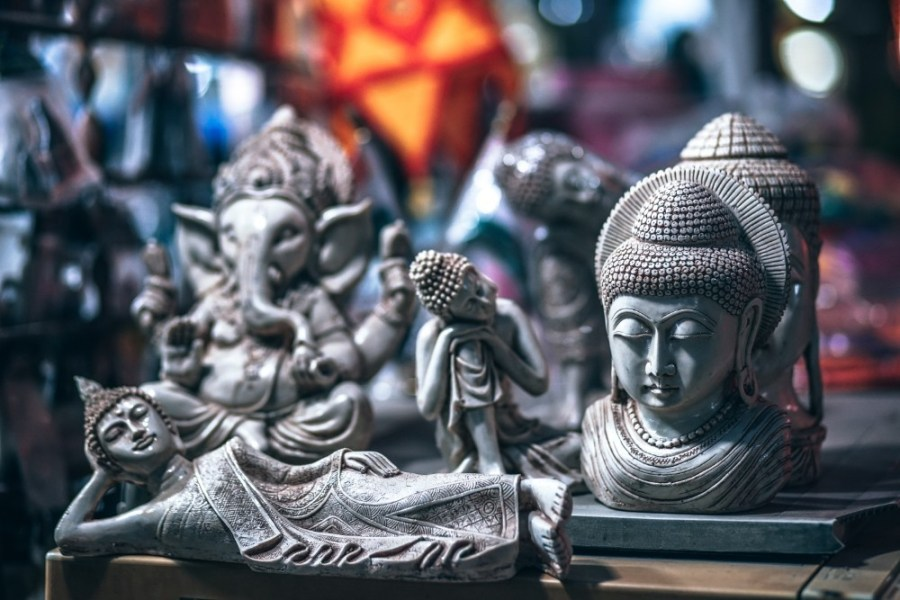 Different-Types-of-Amazing-Hand-Carved-Buddhist-Statues