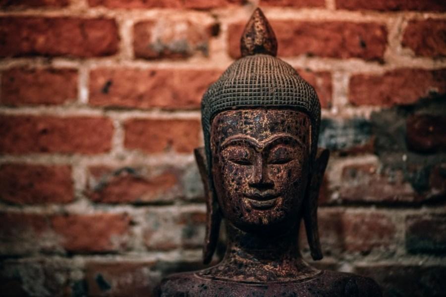Hand-Carven-Wooden-Buddha-Head-Statue