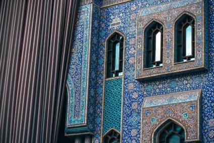 Incredible-and-Colorful-Islamic-Exterior-in-Dubai