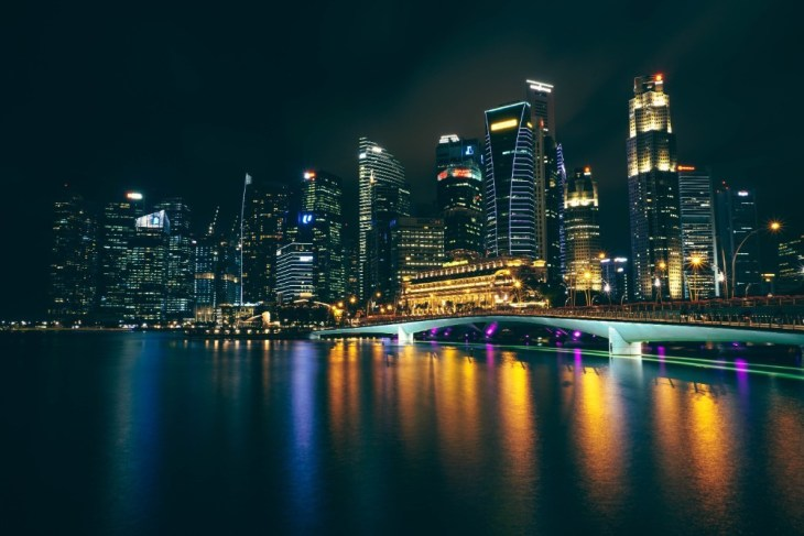 Stunning-Night-Photography-of-Singapore