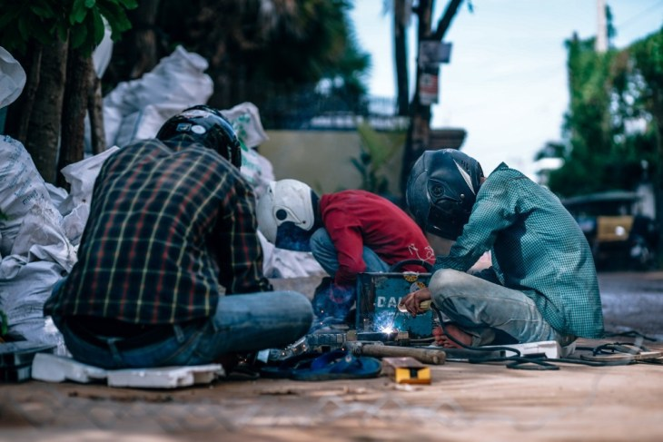 Men-Welding-at-a-Construction-Site-in-Siem-Reap-Cambodia