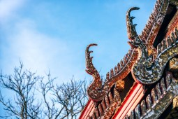 Architecture-Art-at-a-Thai-Temple-Rooftop