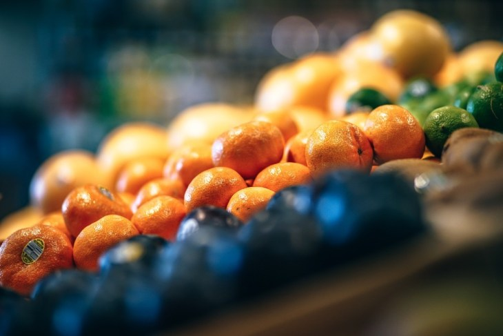 Bright-Tangerines-for-Sale-at-an-Organic-Grocery-Store