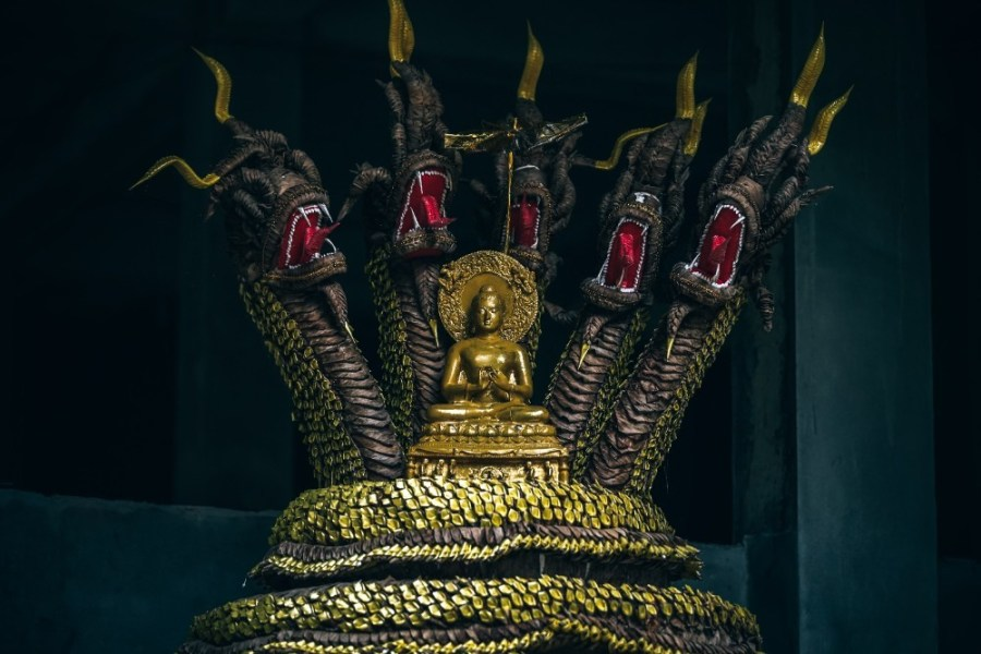 Buddhist-Golden-Statue-with-Dragons
