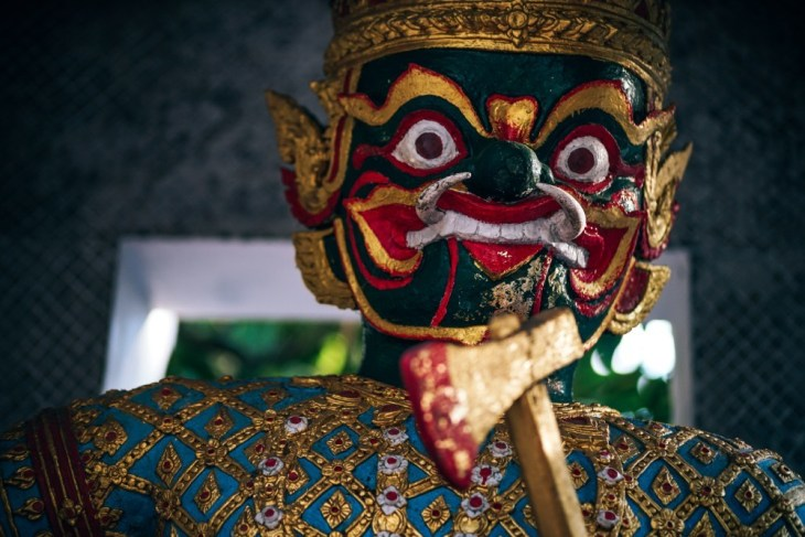 Close-up-Shot-of-a-Scary-Thai-Khon-Mask