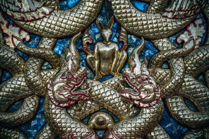 Golden-Dragon-Statue-Carvings-Inside-Doi-Suthep-Temple