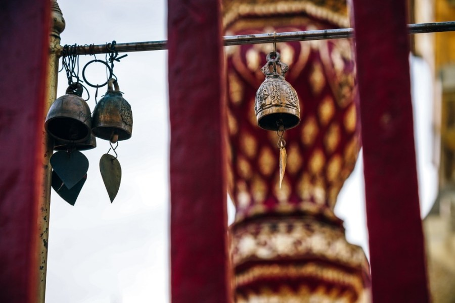 Hanging-Brass-Bells-at-the-Doi-Suthep-Temple-in-Thailand.