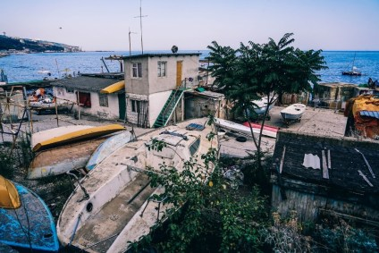 Old-Boat-Yard-in-Yalta