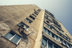 Tall-Apartment-Building-in-Yalta