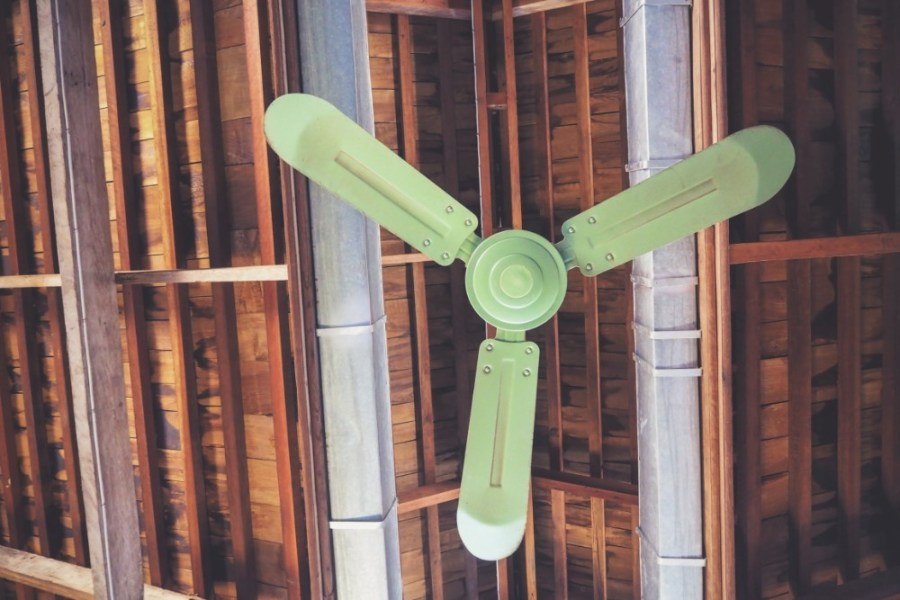 Vintage-Ceiling-Fan-in-Green-Color
