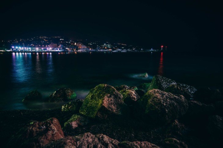Yalta-Cityscape-at-Night