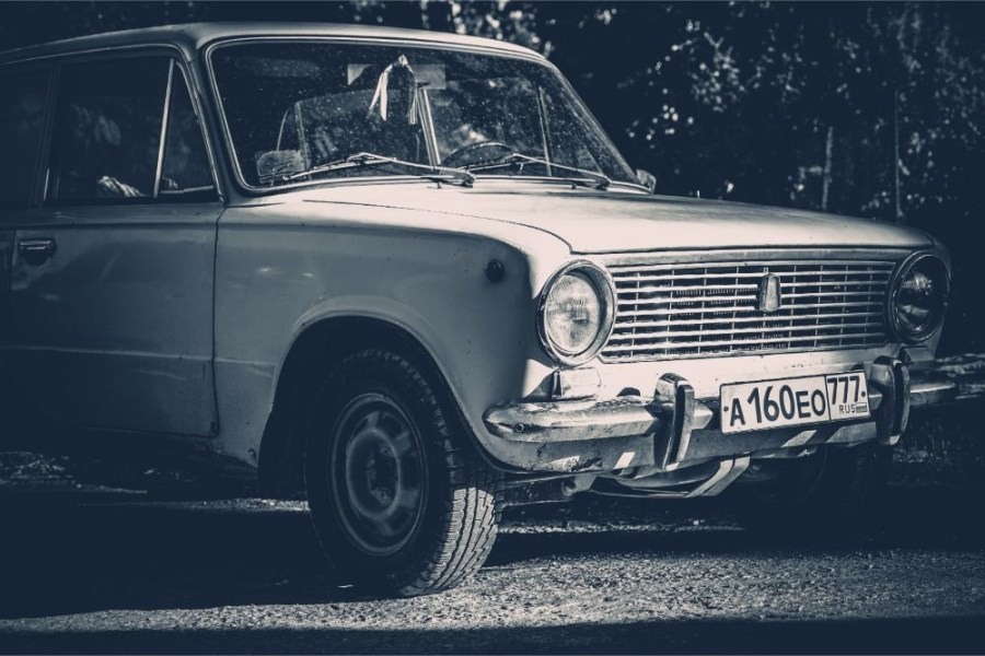 Black-and-White-Photography-of-a-Vintage-Car