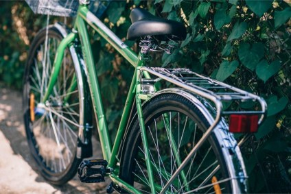 Close-up-Photography-of-a-Green-Bicycle