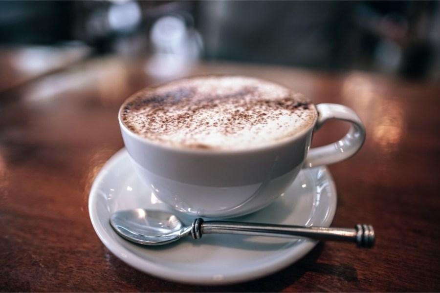 Close-up-Shot-of-a-Beautiful-Cappuccino