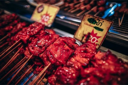 Glazed-Chicken-on-a-Stick-for-Sale-at-the-Phantip-Night-Market