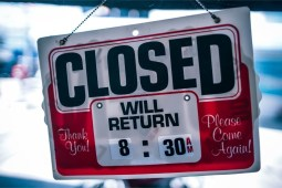 Red-and-White-Closed-Sign