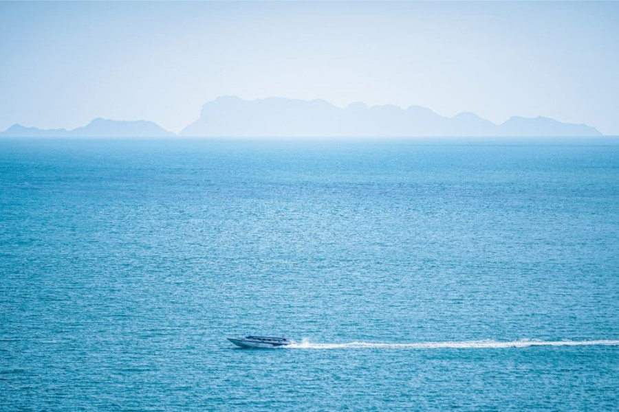 Speedboat-Driving-to-an-Island-in-the-Gulf-of-Thailand