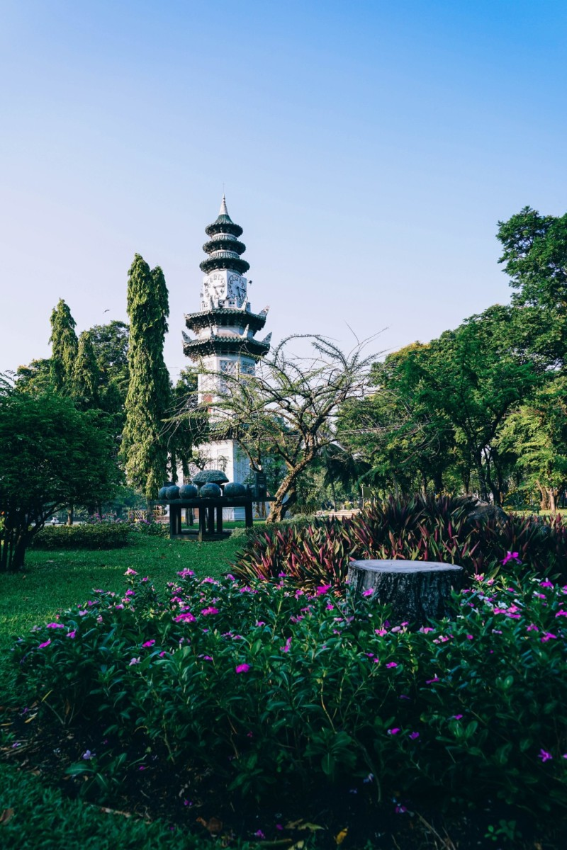 The-Clock-Tower-in-Lumphini-Park-Surrounded-by-Beautiful-Greenery