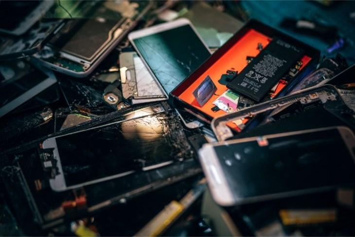 Close-up-Shot-of-Broken-Smartphones