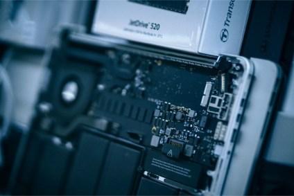 Macbook-Open-for-Repair